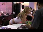 Lexi Belle - porn convention 2009