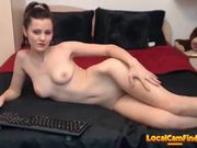 Chat girl flaunts her naked body 3