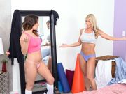 Mila Marx clashing pussies with her horny stepmom