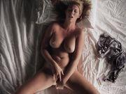 Lucy_C - Multiples - ifeelmyself.com
