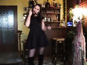 GIRLFRIEND DANCING AND STRIPPING