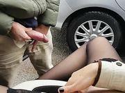 estudiante italiana n coche mira maduro que se masturba