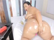 Nicky_Huge_Butt CB