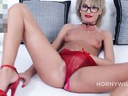 pussy dildoing show_03192020