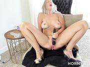 masturbation show_06042020