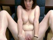 Lisa Beasley porn - fingering her pussy