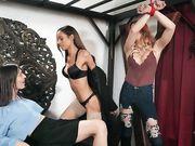 trans korra del rio folla una chica negra y otra trans
