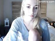 blonde cam girl