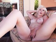 AbbeyRhode - Summer Lovin Masturbation